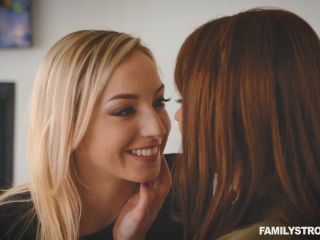 """Krissy Lynn,Zoe Parker"" ""Mommy Doesn't Mind You Prefer Girls, Sweetie!"""